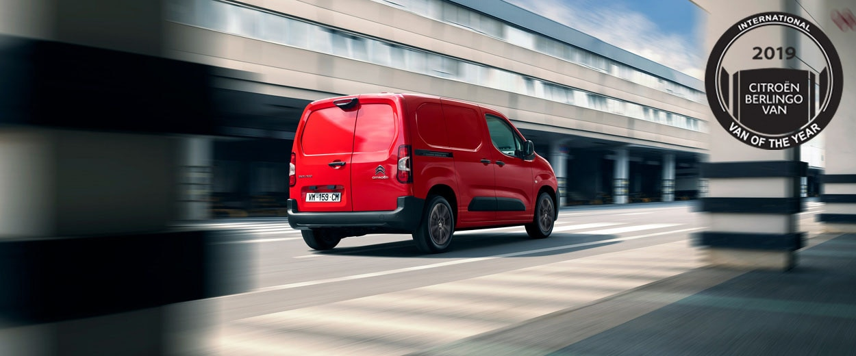 1250x520-1250x400-New-Berlingo-Van-HeroBanner3-Driver-AR-IVOTY-GB