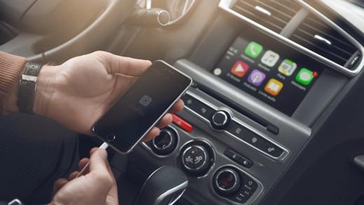 520x293_Apple_CarPlay